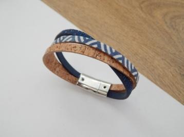 Bracelet LII, bleu texturé & marine V aimantée 16€
